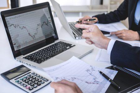 ¿Cómo operar con el indicador RSI?